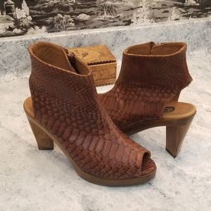 Anthropologie Salpy brown soft leather booties